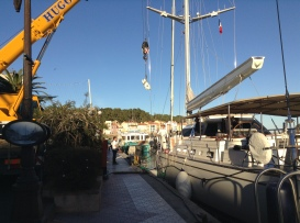 Crane services for yacht in Port Vendres