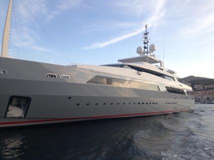 Yacht mooring, refueling, maintenance.